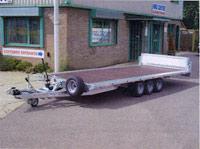 Triple-axle car transporter trailer