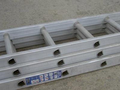 Alloy Triple Extension Ladder - 2.5m/6.0m