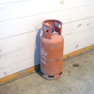 Gas Cylinder (Gas charged extra)